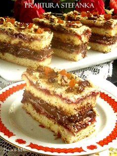 Ingrediente blat de biscuiti: * 200 g de biscuiti Petit Beurre * 100 g unt No Cook Desserts, Delicious Desserts, Yummy Food, Good Food, My Recipes, Cake Recipes, Dessert Recipes, Cooking Recipes, Romanian Desserts