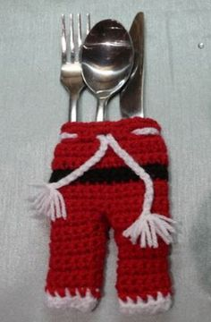 Santa Pants Crochet Cutlery Holder Free Pattern