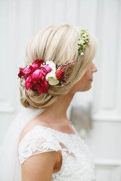 Floral Crown Wedding, Wedding Flowers, Floral Crowns, Flowers For You, Flowers In Hair, Flower Studio, Floral Headpiece, Wedding Arrangements, Floral Hair