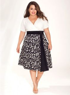 description - plus size paisley print 3/4 roll-up sleeve collared
