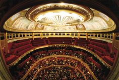 Théâtre des Champs Elysées:  la salle vue du plateau