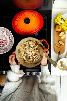 Risotto salsiccia, porri e mela Winter Recipes, Winter Food, Pasta, Comfy, Cooking, Kitchen, Fashion, Moda, La Mode