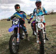 Motocross Couple, Motocross Love, Motocross Bikes, Relationship Goals Pictures, Cute Relationships, Cuddle With Boyfriend, Dirt Bike Girl, Dirt Bike Couple, Riding Gear