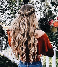 Aimez ce que vous voyez? Suivez-moi pour plus: uhairofficial - Coiffure Sites Hair Day, Your Hair, Pretty Hairstyles, 1980s Hairstyles, Quiff Hairstyles, Cute School Hairstyles, Hairstyles For Curly Hair, Fairy Hairstyles, Spanish Hairstyles