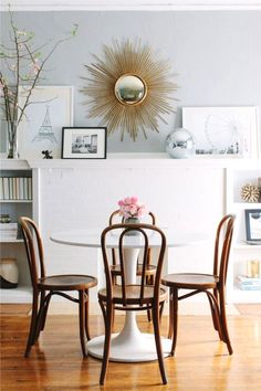 14 unique ways to decorate a blank white wall in your home: