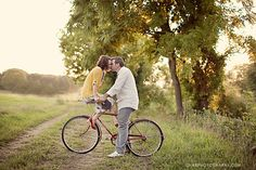 Bike Family Photography picture, Couple Picture on Bike, Couple Kissing Bike, Mustard Gray Family Picture