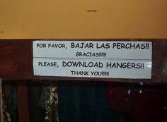 ~*Downloading*~ | Los 20 carteles peor traducidos de la historia