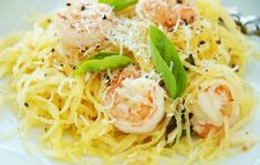 Spaghetti Squash with Shrimp and Asparagus - Slender Kitchen. Works for Clean Eating, Gluten Free and Low Carb diets. Spaghetti Squash Shrimp Scampi, Shrimp And Asparagus, Spaghetti Squash Recipes, Shrimp Pasta, Slender Kitchen, Vegetarian Recipes Easy, Good Healthy Recipes, Ww Recipes, Fish Recipes