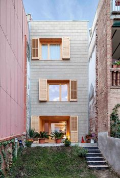 5m Wide Home Refurbished by Josep Ferrando | Yellowtrace