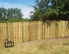 Hit and Miss Fencing - Fencing Cardiff | Garden Fence Installers | Artificial Grass