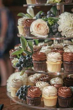 chocolate and vanilla mini cupcakes