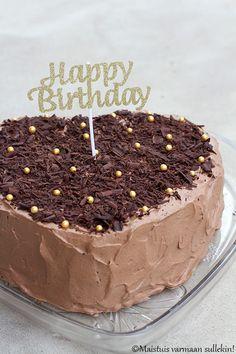 Maistuis varmaan sullekin!: Suklaaunelmatäytekakku Tiramisu, Baking, Birthday, Ethnic Recipes, Food, Birthdays, Bakken, Essen, Meals