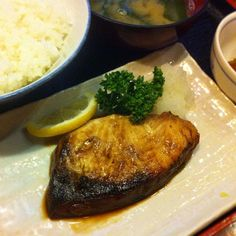 121102 はせ部@神田神保町 #ぶり照 #定食 750円  #焼魚 #煮魚 #lunch #ランチ #japanesefood #和食  #居酒屋 #izakaya #fish #foodporn #instafood #foodpictures #food #webstagram   #foodstagram #foodpics #yummy #yum #food #foodgasm #foodie #instagood #foodstamping #sharefood #delicious #ilove_bfp @bestfoodpics - @ogu_ogu- #webstagram
