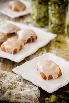 Hops donuts with lemon curd glaze