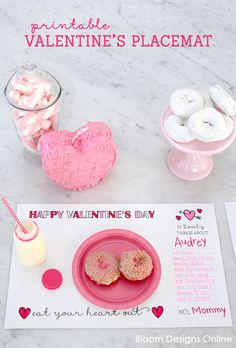 Printable Valentines Placemat - - FREE Printable Valentines Day Placemats - such a cute idea to use for parties or for February Valentines Day Food, Kinder Valentines, Valentines Day Activities, Valentine Day Love, Valentine Day Crafts, Valentine Decorations, Valentine Ideas, Homemade Valentines, Valentine Wreath