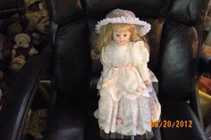 BRINNS COLLECTIBLE BRIDE DOLL 1991 FREE SHIPPING