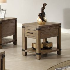 Riverside Furniture Bay Cliff Chairside Table