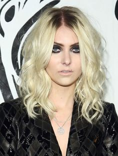 Taylor Momsen's haircut