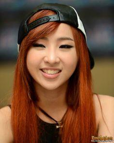Minzy | 2NE1 AON Indonesia press con