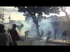 Enfrentamiento en Plaza Altamira por Alberto Zanetti #21F