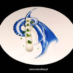 Beautiful plating. #crafty #chefs #chefsroll #art #award #amazing #presentation #profile #pastry #perfection #foodpic #foodies #foodie #togoodtoeat L'art de dresser et présenter une assiette comme un chef de la gastronomie... > http://visionsgourmandes.com > http://www.facebook.com/VisionsGourmandes . #gastronomie #gastronomy #chef #presentation #presenter #decorer #plating #recette #food #dressage #assiette #artculinaire #culinaryart