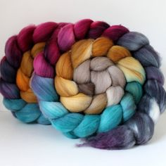 Merino Wool Roving - Hand Painted - Hand Dyed for Spinning or Felting - 4oz - Feathers