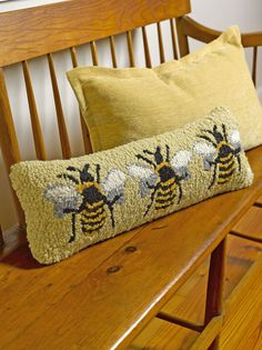 LOVE this honey bee hook rug style pillow! Great gift for a beekeeper. I Love Bees, Bee Skep, Rug Hooking Patterns, Rug Hooking Designs, Bee Art, Wool Pillows, Penny Rugs, Bee Happy, Bees Knees