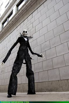 ex-shadow's Jack Skellington cosplay...he's on stilts! Talk about dedication to character!