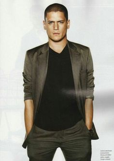 Wentworth Miller - GQ Style Magazine , ughh his eyes ! Hes still tho hahaha . And plus Prison Break is one of my fav shows :) Gq Style, Michael Scofield, Gorgeous Men, Beautiful People, Wentworth Miller Prison Break, Leonard Snart, Dominic Purcell, Cw Series, Bae