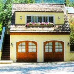 French garage doors to dream about...