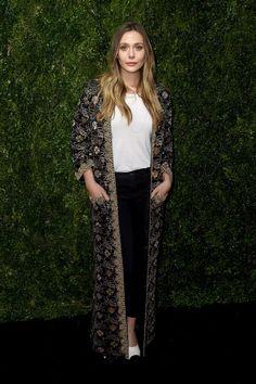 Jennifer Aniston's Stealth Styling Trick for Remixing Straight-Leg Denim Dress Over Pants, Daily Fashion, Fashion Tips, Fashion Art, Autumn Fashion, Elizabeth Olsen, Angelina Jolie, Casual Looks, Nice Dresses