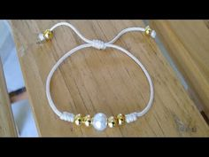 The best tips to maintain the beautiful appearance of your jewelry - Fine Jewelry Ideas Bracelet Crafts, Jewelry Crafts, Handmade Jewelry, Diy Schmuck, Schmuck Design, Macrame Jewelry, Macrame Bracelets, Braided Bracelets, Friendship Bracelets