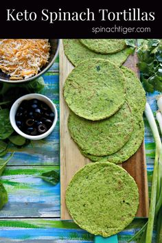 These grain free keto spinach tortillas taste as good as they look, low carb at 2 net carbs, Made with almond flour, raw spinach. Comida Keto, Low Carb Tortillas, Coconut Flour Tortillas, Tortilla Recipe, Spinach Tortilla Wraps, Low Carb Dinner Recipes, Avocado, Vegetarian, Healthy Recipes