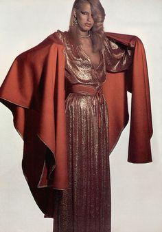 3dd0ec09291 Yves Saint Laurent Rive Gauche dress 70s Vintage Fashion, Seventies  Fashion, 80s Fashion,