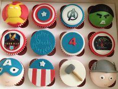 The avengers cupcakes Avenger Cupcakes, Avenger Cake, Marvel Heroes, Marvel Avengers, The Advengers, Cake Decorating, Decorating Ideas, Book Creator, Best Comic Books