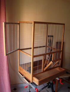 Esta jaula de madera para ardillas fue uno de los primeros trabajos que realicé con madera