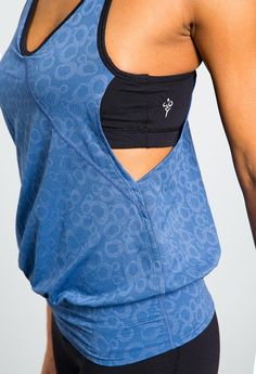 Super comfy yoga top w/built in bra...flowy and breathable