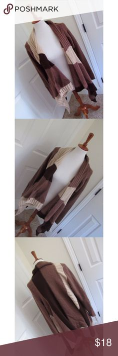 Sharagano oversized cardigan Size large, Brown tones, heavy weight and so stylish. Excellent quality and condition. Sharagano Sweaters Cardigans