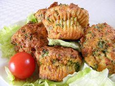 Velikonoční nádivkové muffiny recept   Vaření.cz Tandoori Chicken, Salmon Burgers, Ethnic Recipes, Food, Essen, Meals, Yemek, Eten