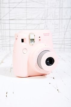 Fujifilm Instax Mini 8 Camera in Pink at Urban Outfitters * * * Mon nouvelle appareille :)