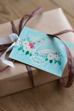 #Paris gift tag by Wendy Paula of Mulberry Muse | photo: Lisa Hjalt