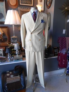 Vintage 1930's 40R 30x33 cream winter white men's suit double breasted Gatsby The stuff my dreams are made of