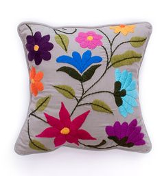 almohadon-flor-nueva-cuadrado-color-vison Cushion Embroidery, Hand Work Embroidery, Embroidered Cushions, Crewel Embroidery, Hand Embroidery Patterns, Cross Stitch Embroidery, Embroidery Designs, Crochet Pillow Cases, Mexican Embroidery