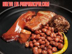 """OLLA PODERIDA. La Olla Poderida es un plato de toda la vida, contundente y sabroso, lleno de tradición que se remonta a tiempos lejanos. ¡Ojo con la """"e"""" de su nombre!, poderida, de poder, era un plato para cacerías para las clases acomodadas en tiempos de frío, por la contundencia de sus ingredientes. Ahora podemos disfrutar de este """"cocido"""" de alubias, con las mejores carnes con un punto ahumado muy personal. Riquísima. http://www.porprincipio.com/legumbres-y-arroz/247-olla-poderida.html#"""
