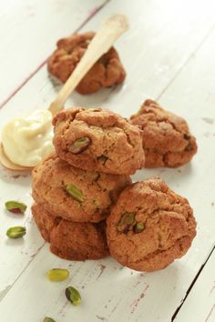 Cookies με λεμόνι, τζίντζερ και φιστίκια Αιγίνης Mashed Potatoes, Cookies, Vegan, Baking, Ethnic Recipes, Desserts, Food, Whipped Potatoes, Crack Crackers