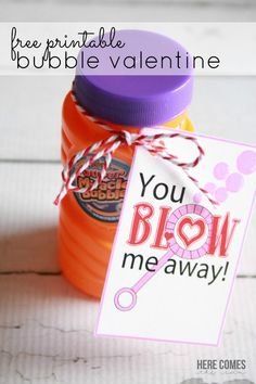 Bubble Valentine free printable : This adorable Bubble Valentine will be a hit at any classroom party! This adorable Bubble Valentine come with a cute saying and is offered as a free printable! The perfect alternative to candy valentines. Kinder Valentines, Valentines Gifts For Boyfriend, Valentine Theme, Valentines Day Treats, Valentine Day Crafts, Valentine Ideas, Valentines Hearts, Printable Valentine, Valentine Nails