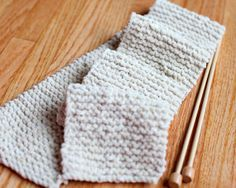 First Scarf Tutorial | AllFreeKnitting.com A knitting beginners tutorial... I love to crochet, but my knitting always looks, like I did it with my feet :-(
