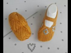 Spieße Easy and Very Stylish Booties Model (Teil # вязание - Schuhe Ideen Tunisian Crochet, Crochet Stitches, Knitted Slippers, Knitted Hats, Baby Booties, Baby Shoes, Crochet Baby, Knit Crochet, Shoe Pattern