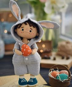 Crochet Doll Pattern, Crochet Dolls, Homemade Toys, Doll Tutorial, Toy Craft, Amigurumi Toys, Doll Patterns, Couture, Knitting