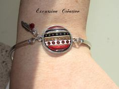 Bracelet rigide réglable en métal argenté style ethnique avec cabochon en verre 20 mm incrusté : Bracelet par excursion-creative